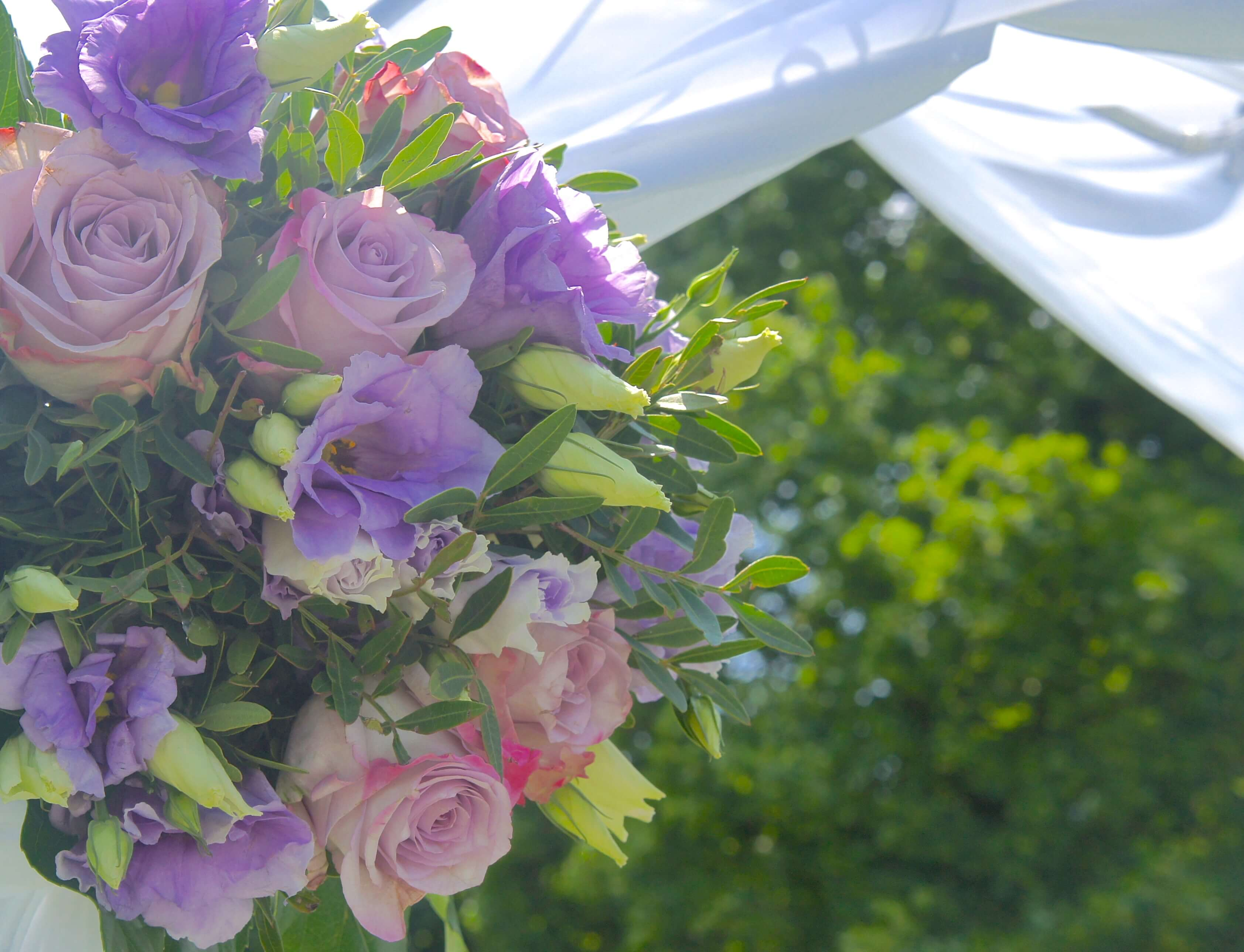 cérémonie extérieure domaine de la frossardiere, decoration linda champenois